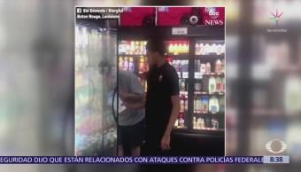 Papá graba cómo su hijo con autismo ayuda en tienda