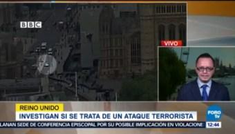 Autoridades británicas investigan si el auto que se estrelló contra el Parlamento es un ataque terrorista