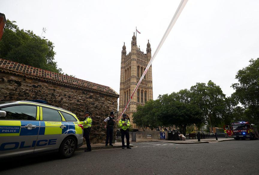 Investigan como terrorismo atropello en Parlamento británico