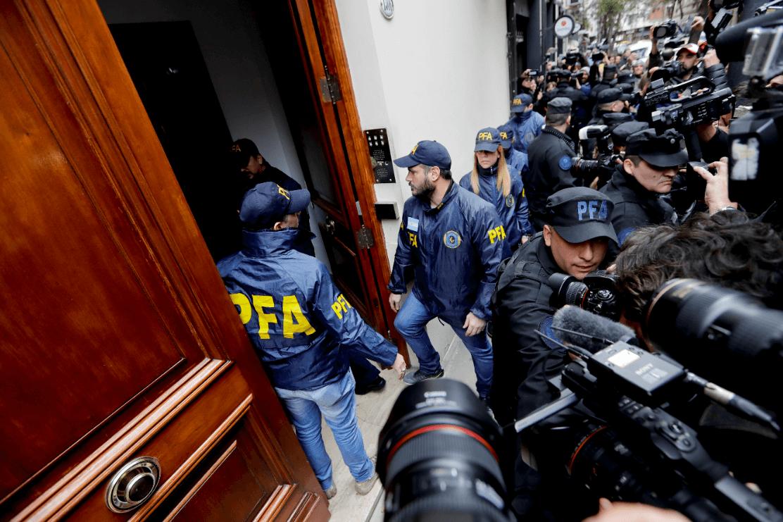 Confiscan camioneta de Cristina Kirchner en allanamiento por corrupción — Argentina