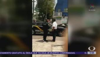 Policías de la CDMX agreden a vendedor de merengues