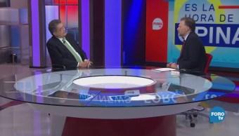 Leo Zuckermann platica con el escritor Sergio Ramírez