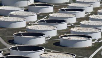Precios del petróleo caen, crece inventario de EU