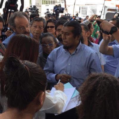 Profesores de la UNAM piden a AMLO un aumento al salario