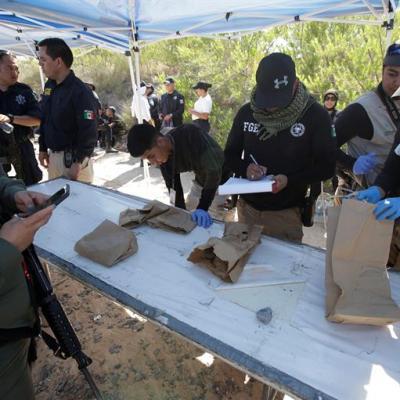 Identifican nueve cuerpos hallados en fosas del Valle de Juárez