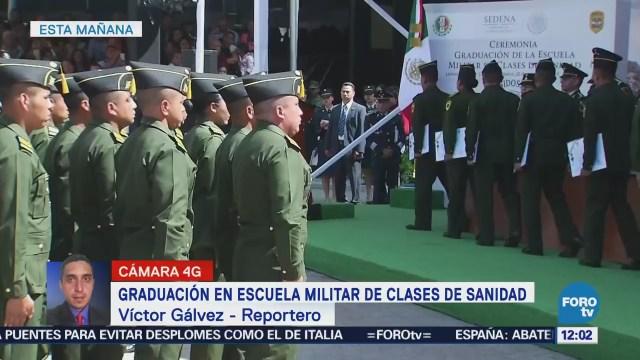 Salvador Cienfuegos entrega reconocimientos a sargentos