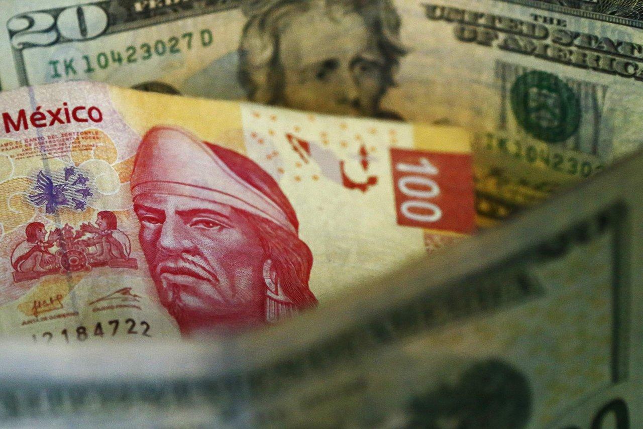 El peso mexicano se cuela en la 'fiesta' de López Obrador