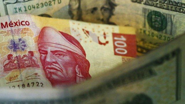 Se aprecia el peso mexicano, dólar cotiza a 18.43