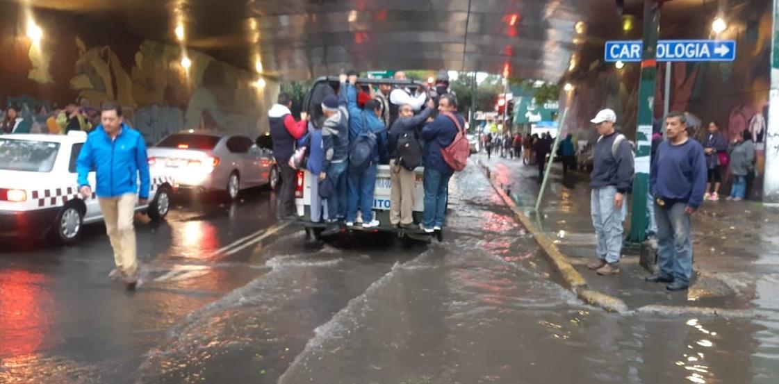 Lluvias y granizo en CDMX colapsan vialidades