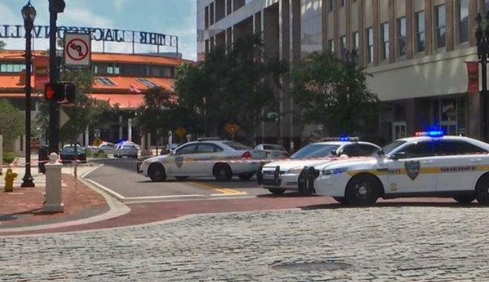 El estremecedor video del momento en que comenzó el tiroteo en Jacksonville