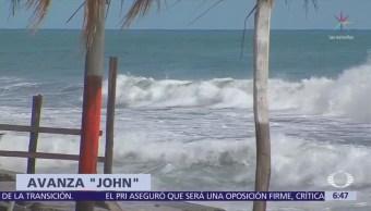 Tormenta 'John' causa oleaje elevado en BCS y Colima