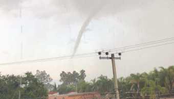 Tornado sorprende a habitantes de Villa Corona, Jalisco
