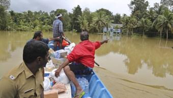 Inundaciones en India dejan 370 muertos