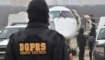 trasladan 64 reos del estado de mexico a penales federales
