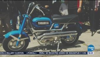 Visite una exposición de motos antiguas