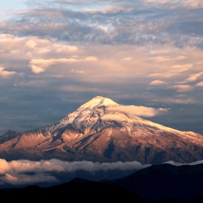 Reportan alpinista extranjero perdido en el Pico de Orizaba