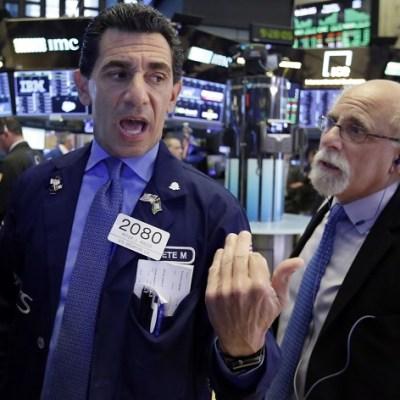 Wall Street cierra con pérdidas por posibles nuevos aranceles a China