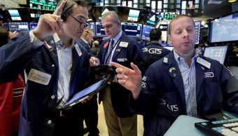 Wall Street estable tras datos de empleo y amenazas de China
