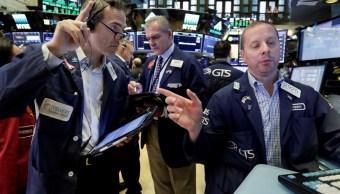 Wall Street estable tras datos de empleo y amenazas de China