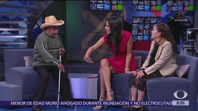 Abuelos demuestran éxito de campaña de alfabetización en México