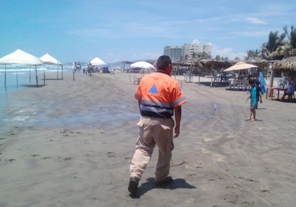 Mar de Fondo en Acapulco: restringen actividades en playas