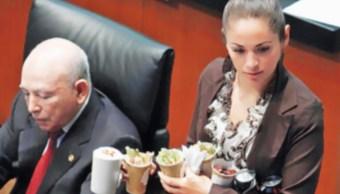 Alimentos para senadores cuando sesión se prolonguen