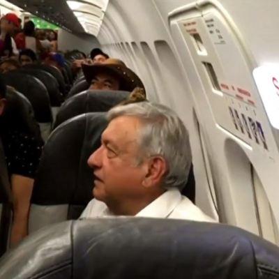 Por lluvia, AMLO se queda varado en Aeropuerto de Huatulco
