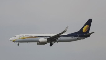 Pasajeros de avión sangran por problema de presurización