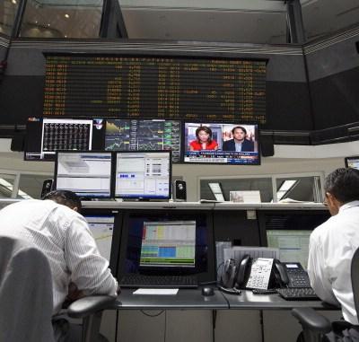 Bolsa Mexicana opera al alza, espera negociaciones de China con EU