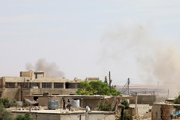 Siria y Rusia intensifican ataques aéreos a rebeldes en Idlib y Hama