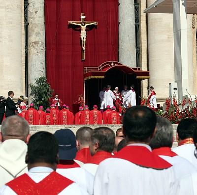 Mitad de cardenales y obispos holandeses sabían de abusos, según medio