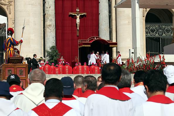 Mitad de cardenales y obispos holandeses sabían de abusos