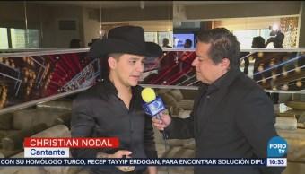 Christian Nodal canta Himno Nacional en pelea de Canelo