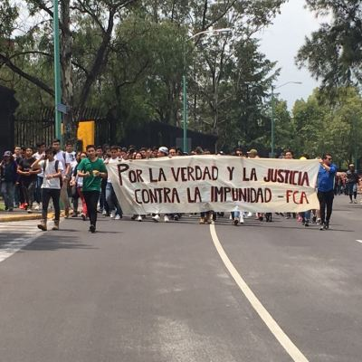 Con el grito de ¡Goya!, estudiantes marchan en Ciudad Universitaria
