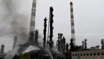 Incendio en refinería de Vohburg an der Donau deja heridos