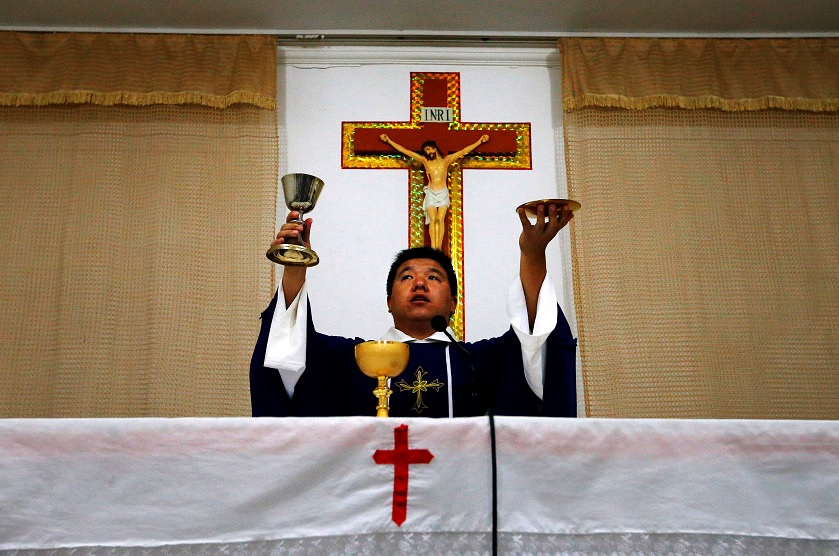 China y El Vaticano firman acuerdo histórico
