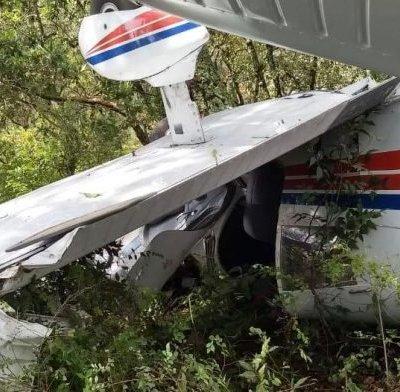 Se desploma avioneta de escuela de aviación en Querétaro
