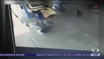 Dueño de empresa de transporte golpea a empleado en Guanajuato