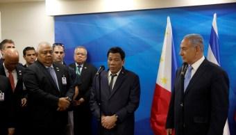 Duterte dice bromeaba sobre violaciones a mujeres bonitas