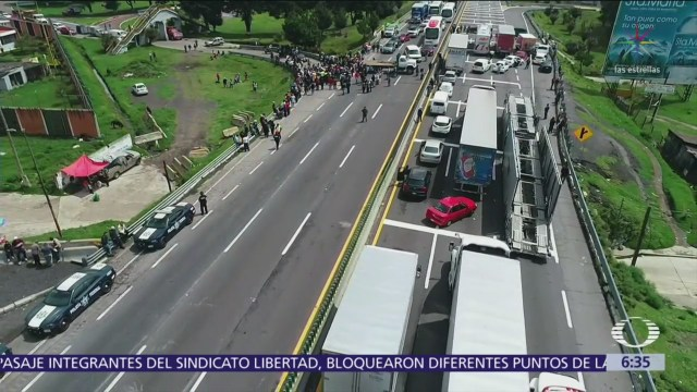 Ejidatarios bloquean la autopista México-Puebla