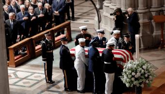 El funeral de McCain tuvo un uso político, según Tello