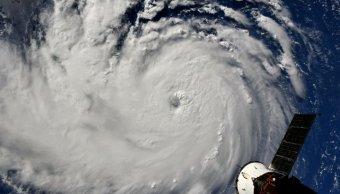 Predicen que huracán categoría 4 devastaría Estados Unidos