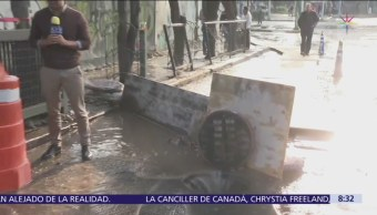 Fuga de agua en Insurgentes y Eje 10 Sur