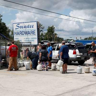Ordenan evacuar a miles en Carolina del Sur ante llegada del huracán Florence