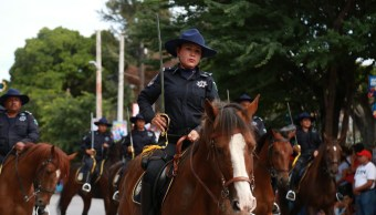 Astudillo Flores presidió Desfile en Chilpancingo