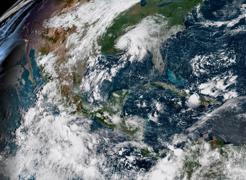 ESTADOS UNIDOS: Costa este está en la mira del huracán Florence