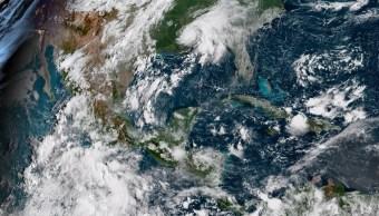 Huracán Florence alcanza categoría 3 en el Atlántico