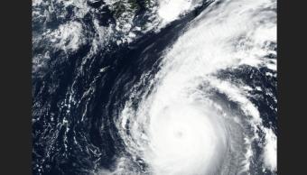 Japón, alerta ante tifón Jebi, el más potente en 25 anos