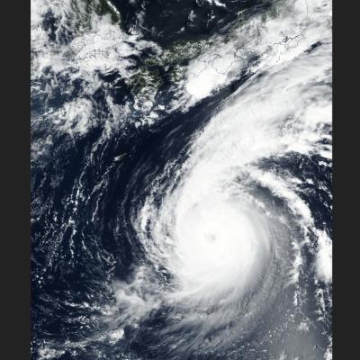 Japón, en alerta ante llegada del tifón Jebi, el más potente en 25 años