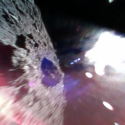 Japón hace historia al enviar fotos desde un asteroide con dos robots